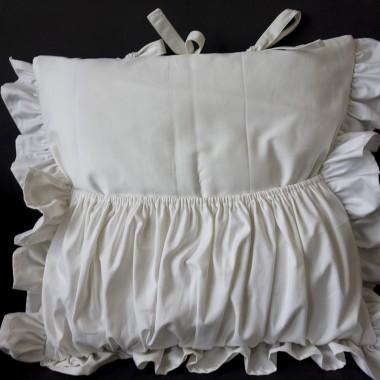 Stylowe poduszki do sypialni.