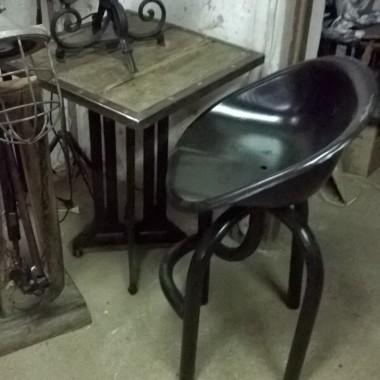 loft lampa stolik industrial
