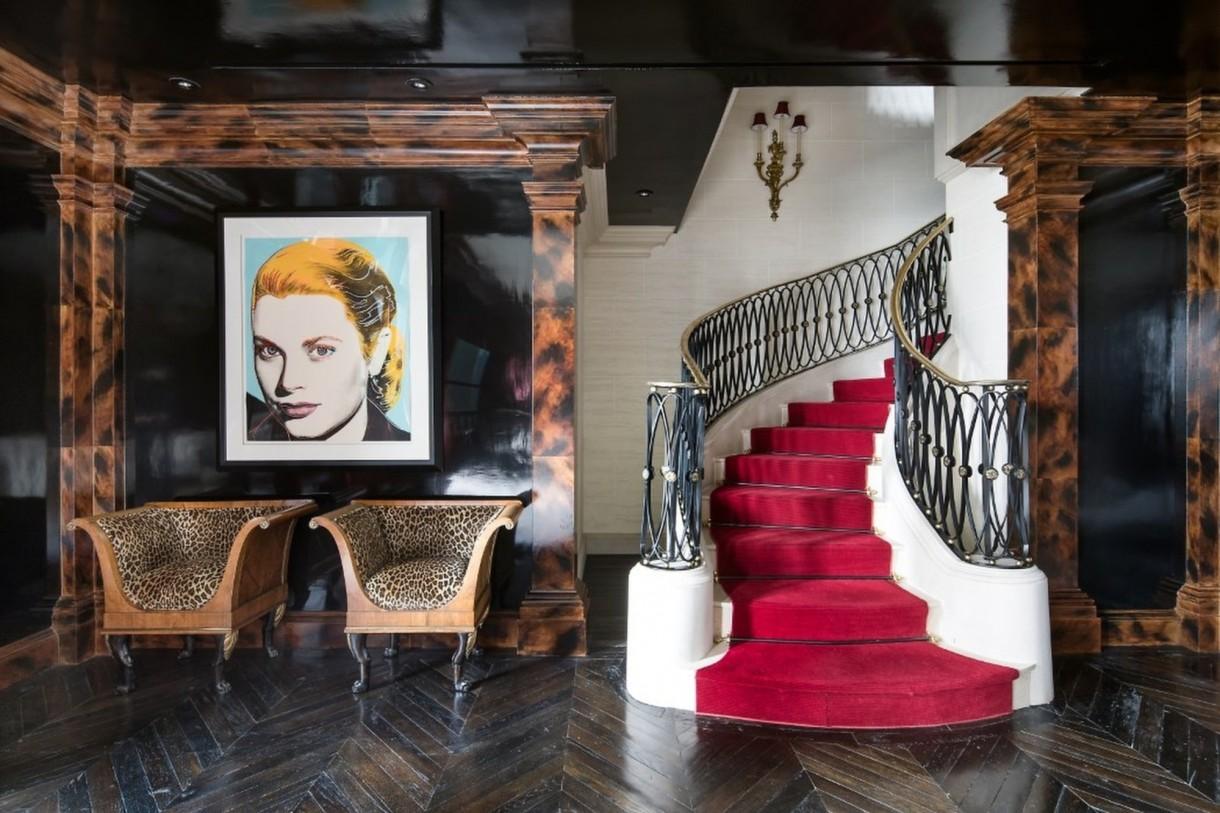 Domy sław, Tommy Hilfiger sprzedał swój ekstrawagancki apartament - Bezcenne obrazy i cenne prace artystów, nie są jednak na sprzedaż wraz z apartamentem.  Źródło: IMP FEATURES/East News