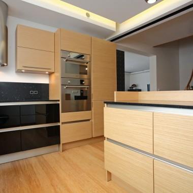 Kuchnia i kolor czarny