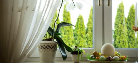Najmodniejsze dekorcje okien na wiosnę i Wielkanoc