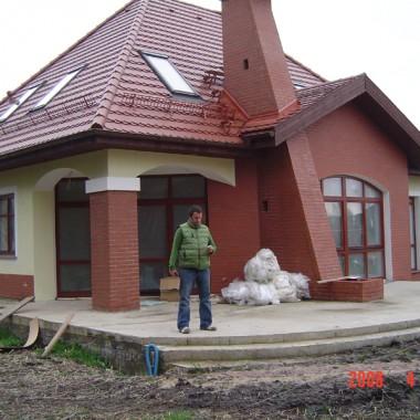 Taras drewniany i drewutnia. Realizacja w Karczowiskach.