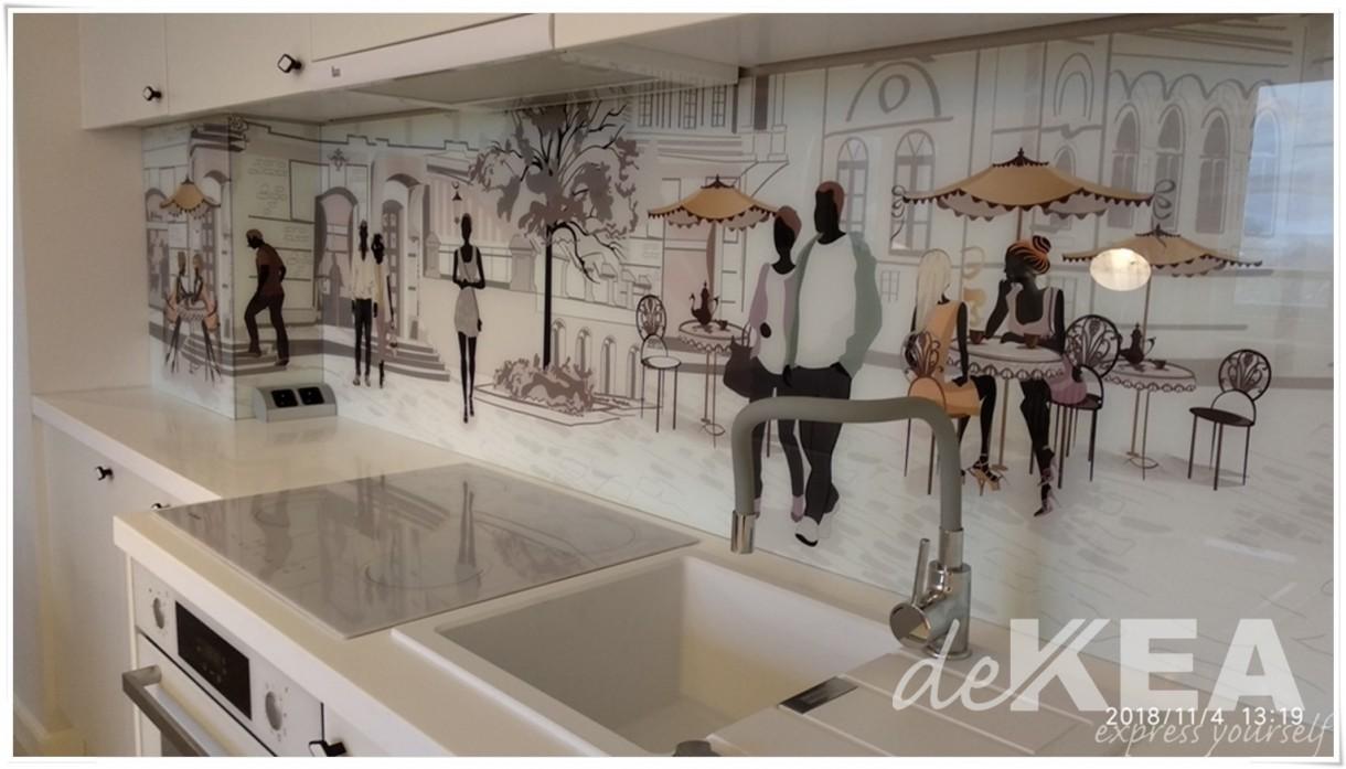 Kuchnia, Panele szklane biała kuchnia - Szkło z grafiką do kuchni lasobel Dekea https://www.dekea.pl/pl/dzial/5388bfa26c756e4655030000/images/5bbe6975f69ea923d80000f1