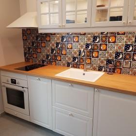 Burza kolorów na kuchennej ścianie
