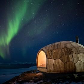 Domek z puzzli 3D. Norweska ostoja dla wędrowców