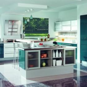 kuchnia  ubrana w kolor