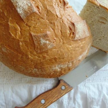 ................i świeży wiejski chleb..............