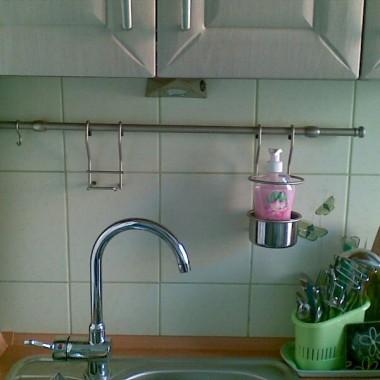A tu już są relingi &#x3B;) wszystko w kuchni ma swoje miejsce, nic nie przeszkadza i zawsze jest pod ręką&#x3B;) oto właśnie chodziło&#x3B;)