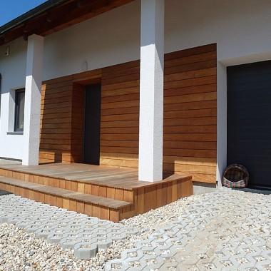 Taras drewniany i elewacja drewniana. Realizacja w Zielonej Górz
