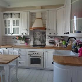 biała kuchnia skandynawska czy angielska