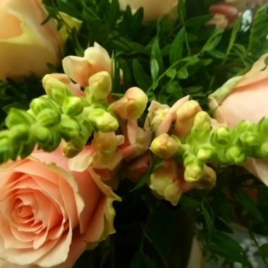 ................i bukiet róż ................