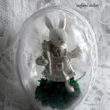 Białe zajączki w jajku