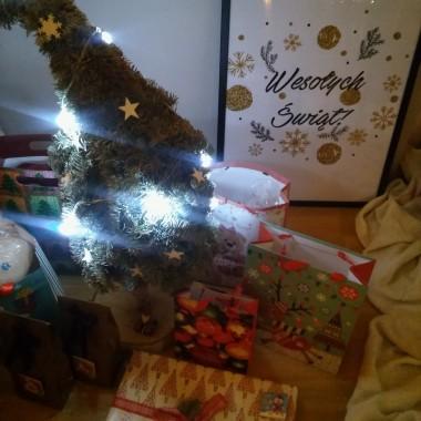 Radosnych Świąt Bożego Narodzenia! :)