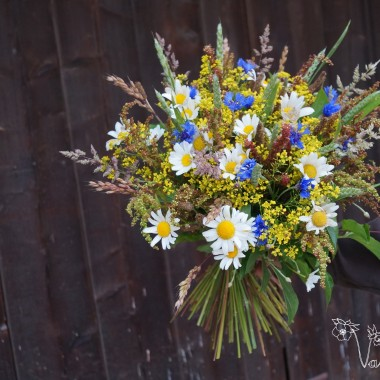 Bukiet z kwiatow ląkowych.