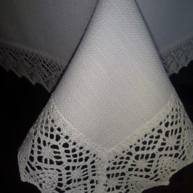 obrusy wykonane z tkanin bawełniano poliestrowych plamoodpornych