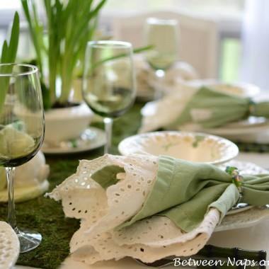 wyszukałam na necie dekoracje stołu na wielkanoc.....