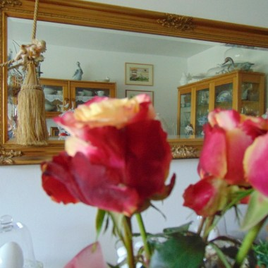 ..............i róże w wazonie...............