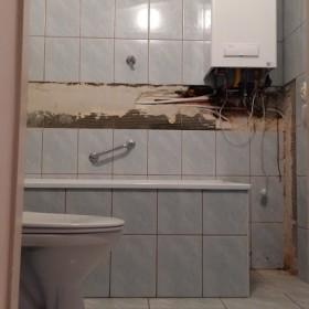 Mała łazienka 180x180 Remont generalny
