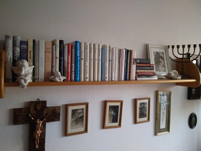 Gabinet, Książkowa galeria :) - Pólka ze współczesną literaturą polską