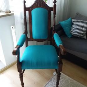 Fotel typu tron. Na sprzedaż. Odnowiony. Wygodny.