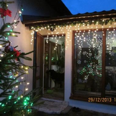 Mały domek świątecznie
