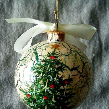 Pierwsze świąteczne bombki