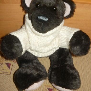 Czekoladowy miś w wełnianym sweterku, wysokość 25 cm