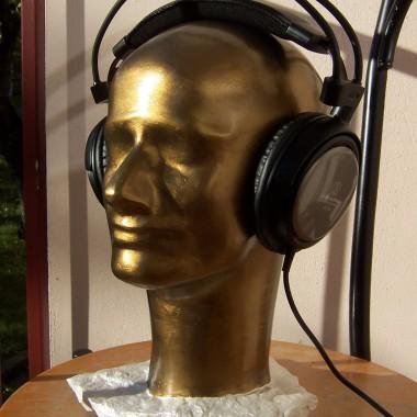 głowa na słuchawki