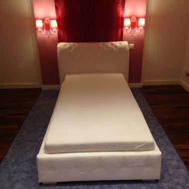 Łóżko sypialniane wraz z zagłówkiem www.dfd.sklep.pl