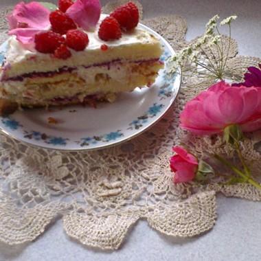 Przepis na różano-malinowy tort