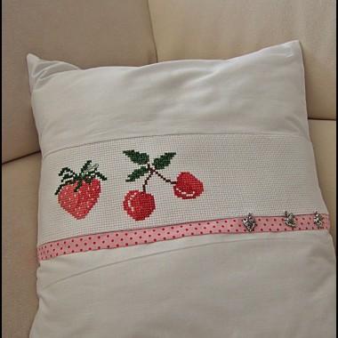 truskawki niezmiennie kojarzą mi się z końcem zimy, nadchodzącym late, pysznymi owocami i warzywami....