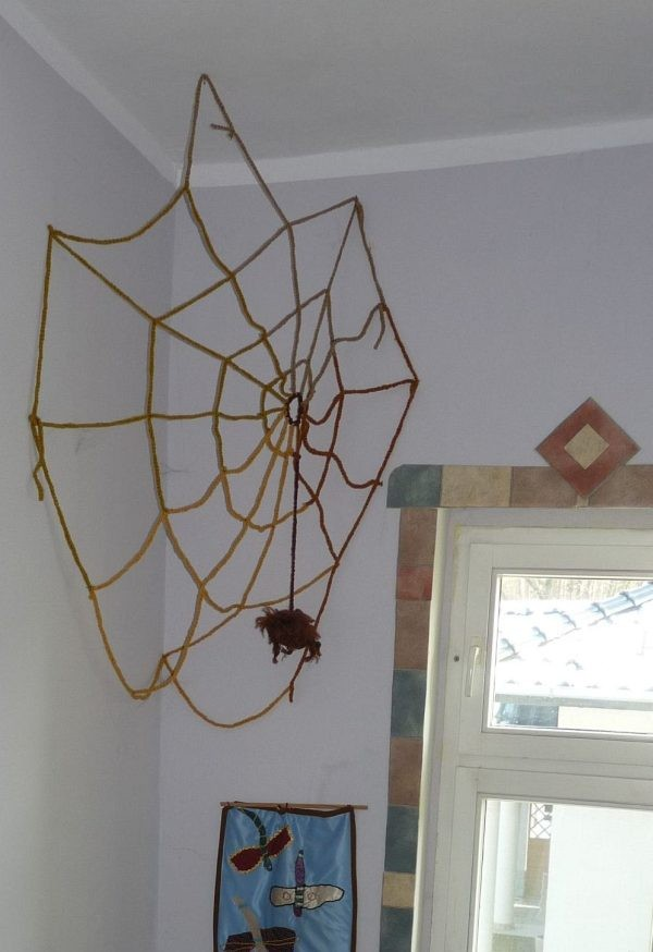 Ściany, Na bogato. - mam i pajęczynę- to podobno -dostatek