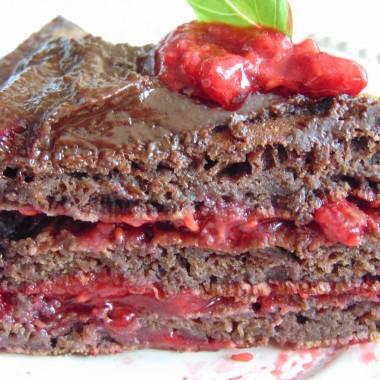 ...........i ciacho z malinami , może nie wygląda tak dobrze jak smakuje ale jest naprawdę pyszne:)