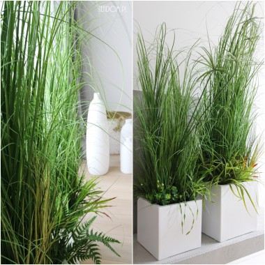 piękne kompozycje ze sztucznych roślin mogą nie tylko służyć we wnętrzach, ale także stworzyć parawan na tarasie, balkonie