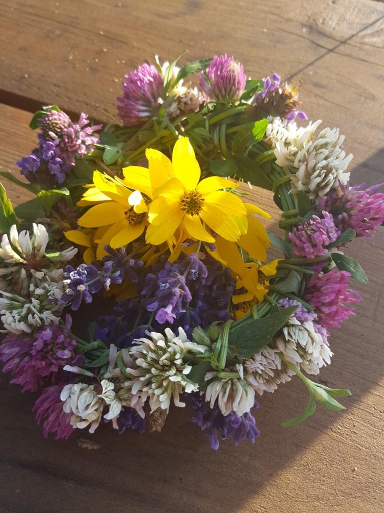 Wianuszki z lawendy i polnych kwiatów z mojego ogrodu.