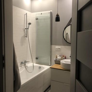 łazienka w bloku 4m2:)