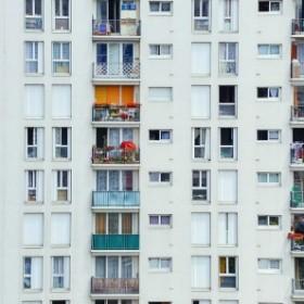 Jak sobie radzić z uciążliwym sąsiadem?