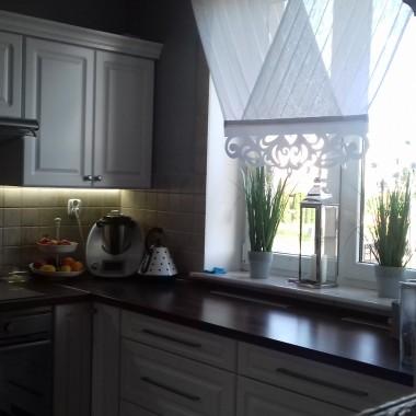 Kuchnia w połączeniu z salonem
