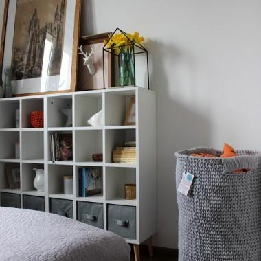 Sypialnia i bawełniany kosz na zabawki