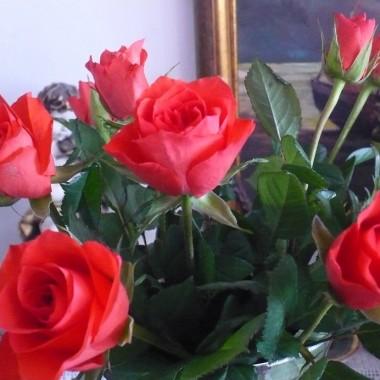 .................i róże w wazonie....................