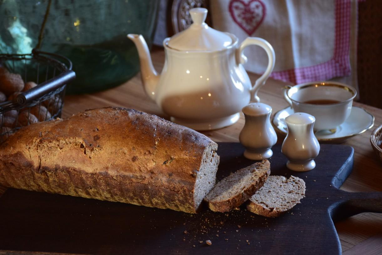 Kuchnia, Kuchnia bardziej...vintage :) - specjalizuję się m.in. w pieczeniu chlebka na zakwasie  :)