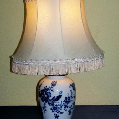piękna porcelanowa lampa z wytwórni w Selb