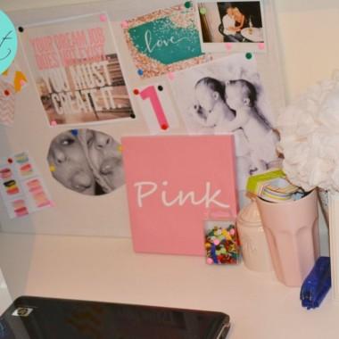 Krok po kroku jak taka wykonac na Lovingit.pl (http://www.lovingit.pl/2012/08/tablica-inspiracji-czyli-tzw-tablica.html)