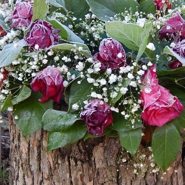 """""""W perły zmienić deszcz...""""i śnieg ,szron...i wszystkie smutki,niepokoje,trudne sprawy,codziennośćNiech w nadchodzącym roku przemienią się w piękno,zachwyt,radość,miłość i dobro .Szczęśliwego Nowego Roku 2018 Wam życzę...Justyna:)https://www.youtube.com/watch?v=fygkjJrlmCY"""