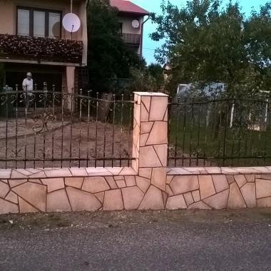 Ogrodzenie z kamienia