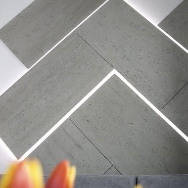 Beton dekoracyjny Luxum, to doskonałe rozwiązanie na dekoracje ścienne. Na zdjęciu podświetlana mozaika