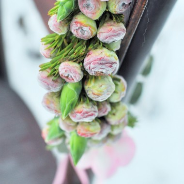 z pasji i miłości do kwiatów :)
