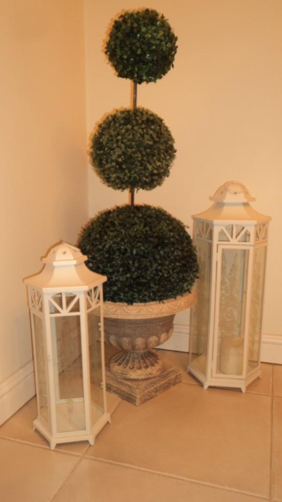 Pozostałe, Sprzedam - Kpl. Pieknych Latarni Shabby Chic,  wykonane z metalu, wewnatrz szybka z pieknym mlecznym ornamentem.  Lampiony prezentuje sie wyjątkowo pieknie, z pewnościa będą wspaniała ozdoba kazdego pomieszczenia, tarasu czy ogrodu.  duza i srednia  cena 150