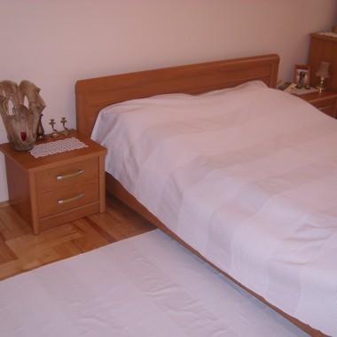 Troche zmian w starej sypialni.