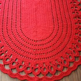 czerwony dywan ze sznurka
